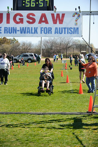 Jigsaw Race for Autism in East Islip 1581