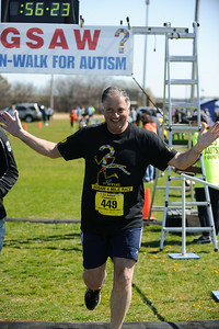 Jigsaw Race for Autism in East Islip 1576