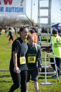 Jigsaw Race for Autism in East Islip 1567