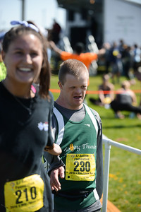 Jigsaw Race for Autism in East Islip 1571