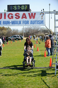 Jigsaw Race for Autism in East Islip 1582