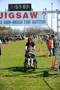 Jigsaw Race for Autism in East Islip 1583