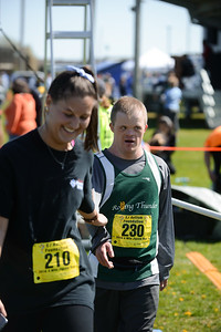 Jigsaw Race for Autism in East Islip 1569