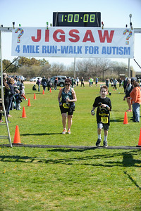 Jigsaw Race for Autism in East Islip 1657