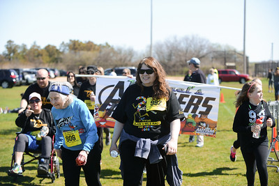 Jigsaw Race for Autism in East Islip 2084