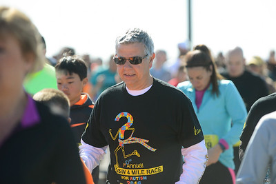 Jigsaw Race for Autism in East Islip 0180
