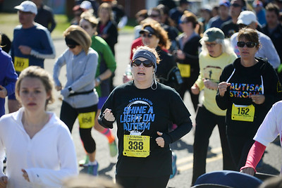Jigsaw Race for Autism in East Islip 0182