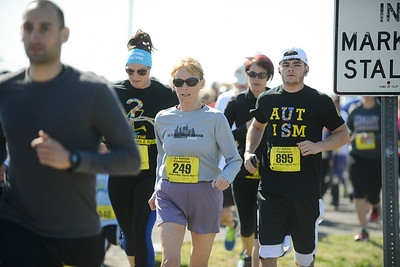 Jigsaw Race for Autism in East Islip 0179