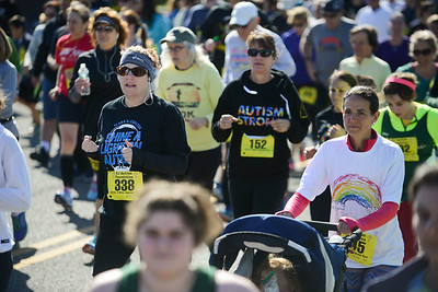 Jigsaw Race for Autism in East Islip 0181