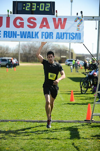 Jigsaw Race for Autism in East Islip 0350