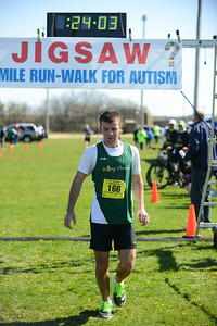 Jigsaw Race for Autism in East Islip 0369