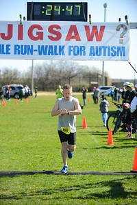 Jigsaw Race for Autism in East Islip 0383