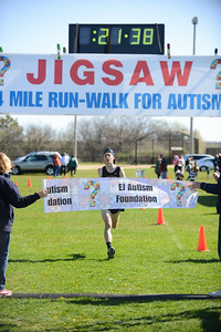 Jigsaw Race for Autism in East Islip 0336