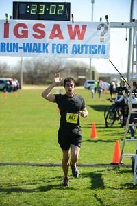 Jigsaw Race for Autism in East Islip 0351