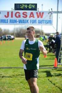 Jigsaw Race for Autism in East Islip 0370