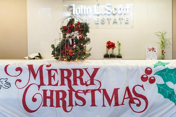 John L Scott Santa Event 19-7