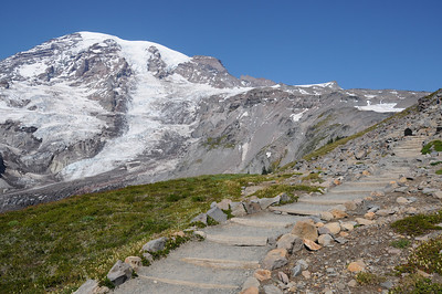 Trail leading up to Camp Muir.