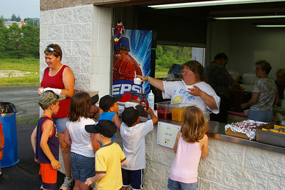 IMGP1216: Friday, June 1st, 2007: A Haven softball team enjoy ice cream during the Pre-Sojourn events.  The ice cream social was hosted by the Schuylkill Haven Business Association.