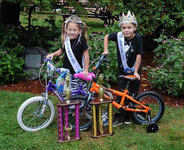 Topsfield, MA---9/29/2012--[l-r] Lauren Lopes (8yrs old) of Davers MA, and Ryan Frasca (8 yrs old) of Haverhill, MA, were crowned Miss Junior Queen and Mr. Junior King during a competition at The Topsfield Fair on Saturday September 29, 2012.  Official photo courtesy of the Topsfield Fair.