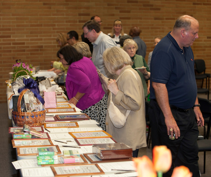 Auction Table IMG_7301