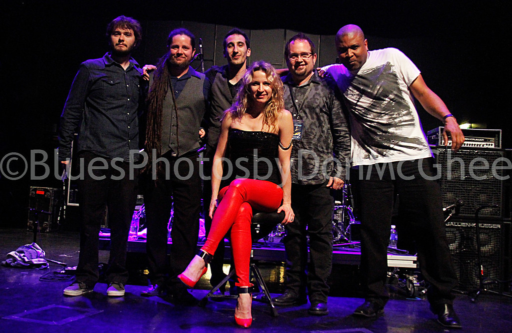 Ana Popovic & her band