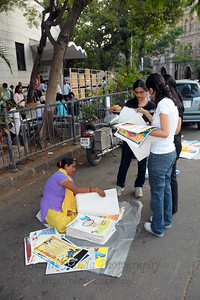 Vendors made brisk business at the Kala Ghoda Arts Festival held for nine days annually in February at Kala Ghoda, Mumbai. This year it was held from 7th February to 15th February 2009.