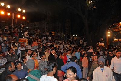 Large crowds gather at Kala Ghoda Arts Festival 2008 held annually in February at Kala Ghoda, Mumbai, MH, India.