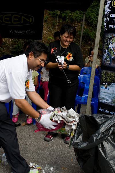 Datuk Subahan initiates the clean-up.