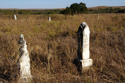 Lonely Glen Grouse Cemetery - far northeast Cowley County