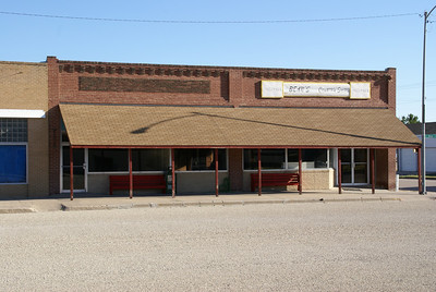 Building which housed the former grocery store