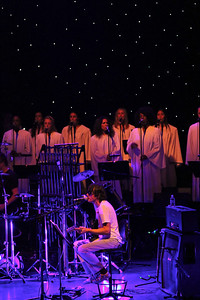 Spiritualized perform 'Ladies & Gentlemen We are Floating in Space', Royal Festival Hall - Jason Pierce & choir