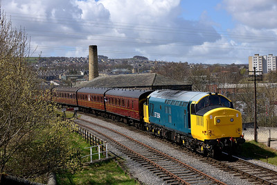 Class 37 No 37264 at Keighley on 26 April 2013 with the 11:20 Oxenhope - Keighley