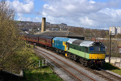 Class 25 & 26 No D7628 & 26038 at Keighley on 26 April 2013 with the 10:25 Oxenhope - Keighley