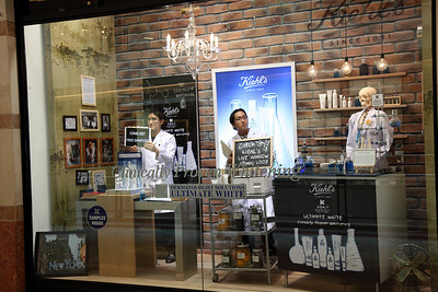 Kiehl's 'LIVE' Window