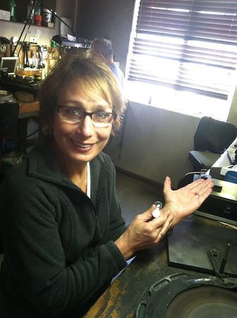 Kim cutting her Diamond