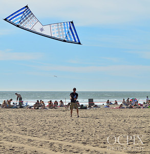 Revolution kite flyer in Huntington Beach