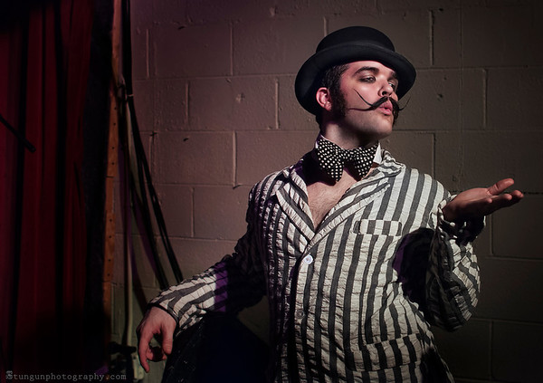 Kitty Love's Sultry Sunday: Featuring the Reigning King of Burlesque, Russell Bruner!