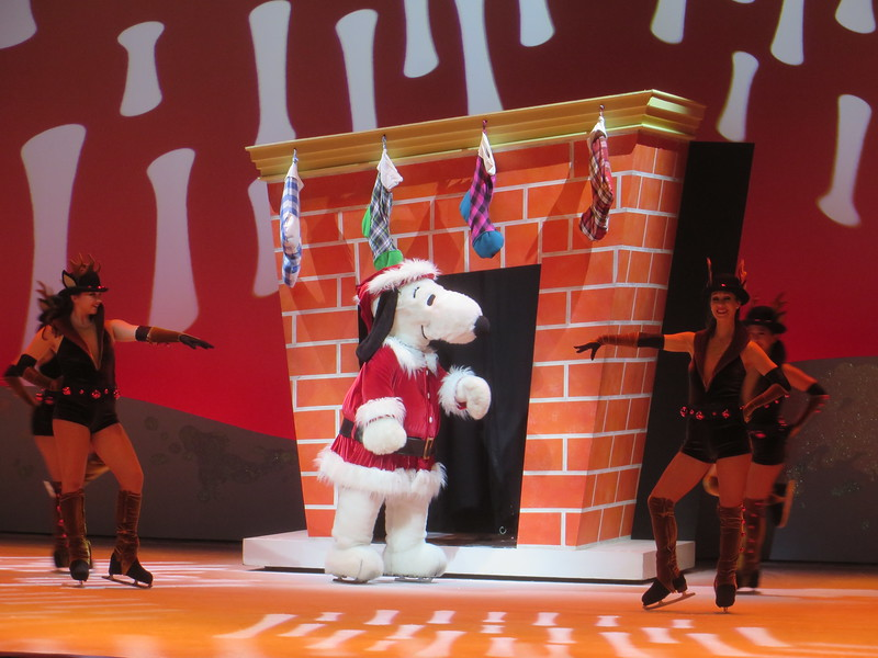 PICTORIAL: KNOTT'S MERRY FARM brings holiday cheer, Peanuts, and of course, boysenberry magic