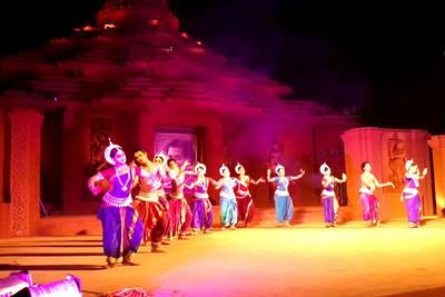 Odissi Dance, Nupur Group, Bhubaneshwar, Orissa. A short video clip shot on Samsung Galaxy S phone.