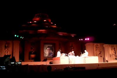 Carnatic Violine Recital - Padma Bhusan (Prof) T. N. Krishana. A short video clip shot on Samsung Galaxy S phone.
