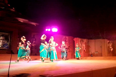 Bharat Natyam (Group) - Nrityakalamandiram, Bangalore. A short video clip shot on Samsung Galaxy S phone.