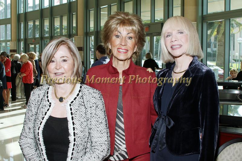 IMG_1742 Doreen McCrindle,Carolyn Rothman & Samantha Murray