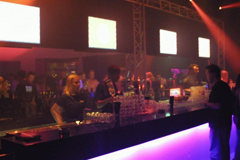 Bar in area 2