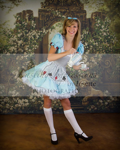 Ali Alice in Wonderland