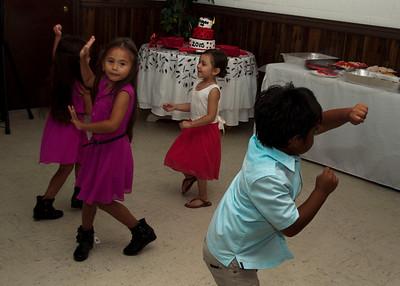 Kids Dancing1