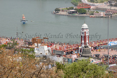 Ariel view from the road to Mansa Devi Temple of Har Ki Paudi, Haridwar.  Kumbh Mela is the biggest religious gatherings on the planet which takes places on the banks of the river Ganga. The number of pilgrims this year is expected to exceed around five million since the first day Jan 14 till the time it concludes on April 28, 2010. Haridwar, Uttarakhand. North India.