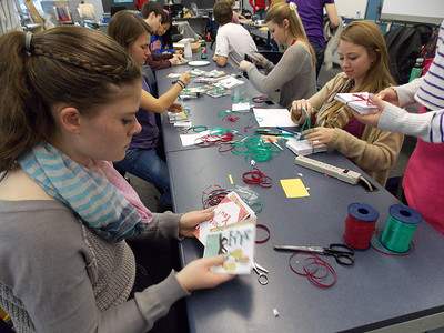Patriot photos by Lisa Mitchell Kutztown Student Council create holiday letters for residents at Kutztown Manor.