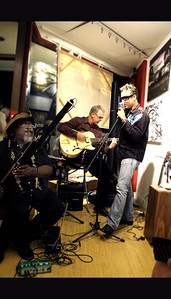 (L to R) Jeff Burke on bassoon, Grant King on guitar and Pat Kelly on vocals ... LISS GALLERY, Yorkville September 11, 2010