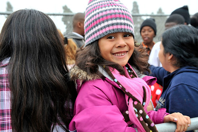 LOS ANGELES CITY MAYOR ANTONIO VILLARAIGOSA AND CELEBRITIES JOIN TOGETHER TO DISTRIBUTE TOYS, FOOD AND TOILETRIES TO CHILDREN AND FAMILIES AT ALGIN  SUTTON PARK ON DECEMBER 8, 2012.   (Photo by Valerie Goodloe)