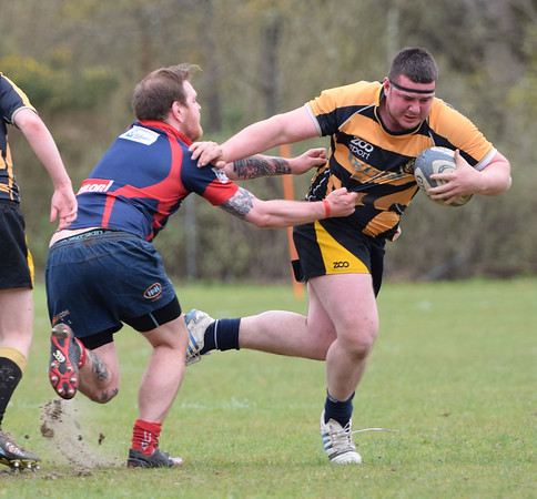 Conor Taylor escapes the onrushing defender. PICTURE ALBA.PHOTOS